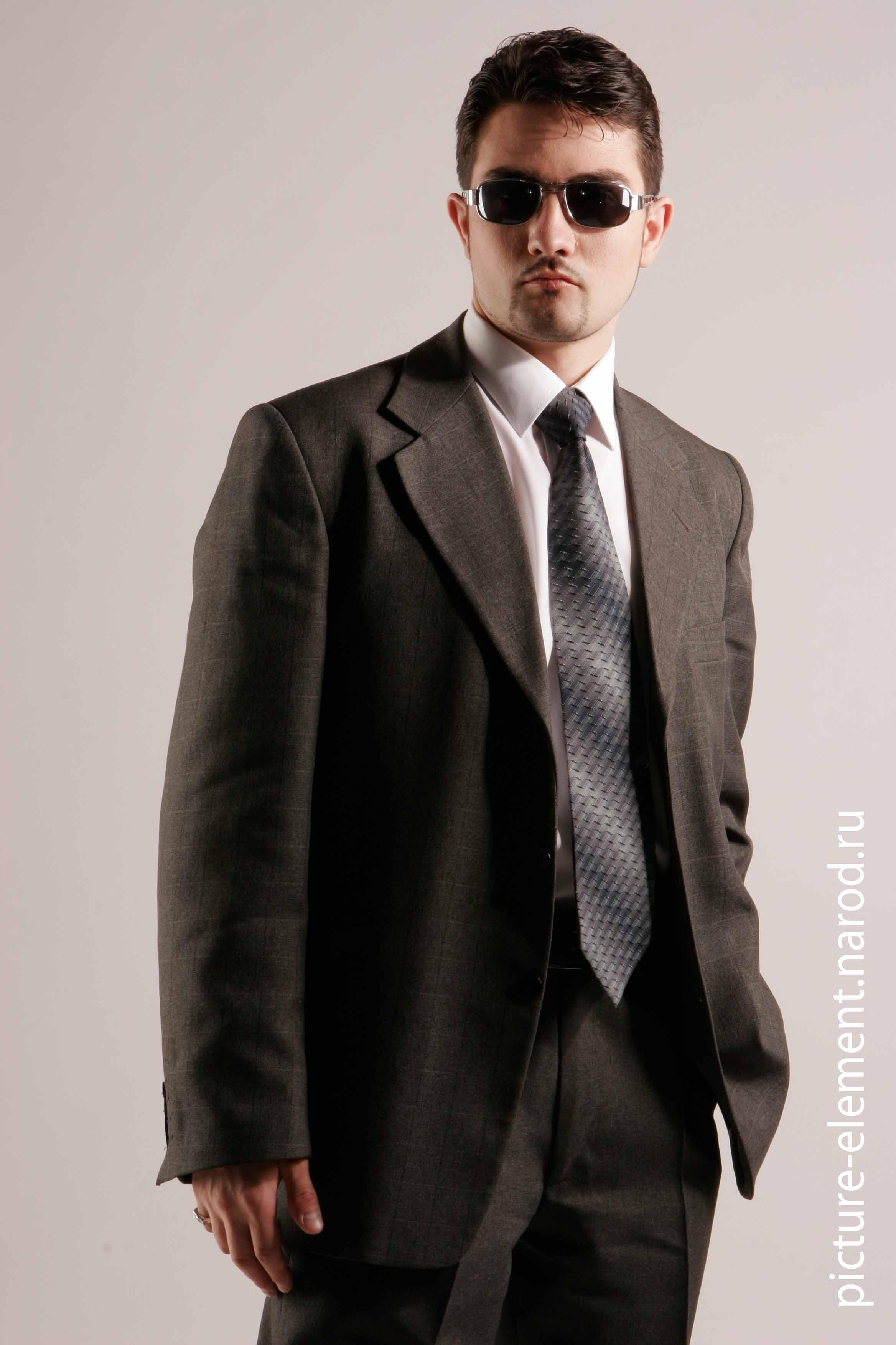 Фото парня в солнечных очках крупным планом 2 фотография